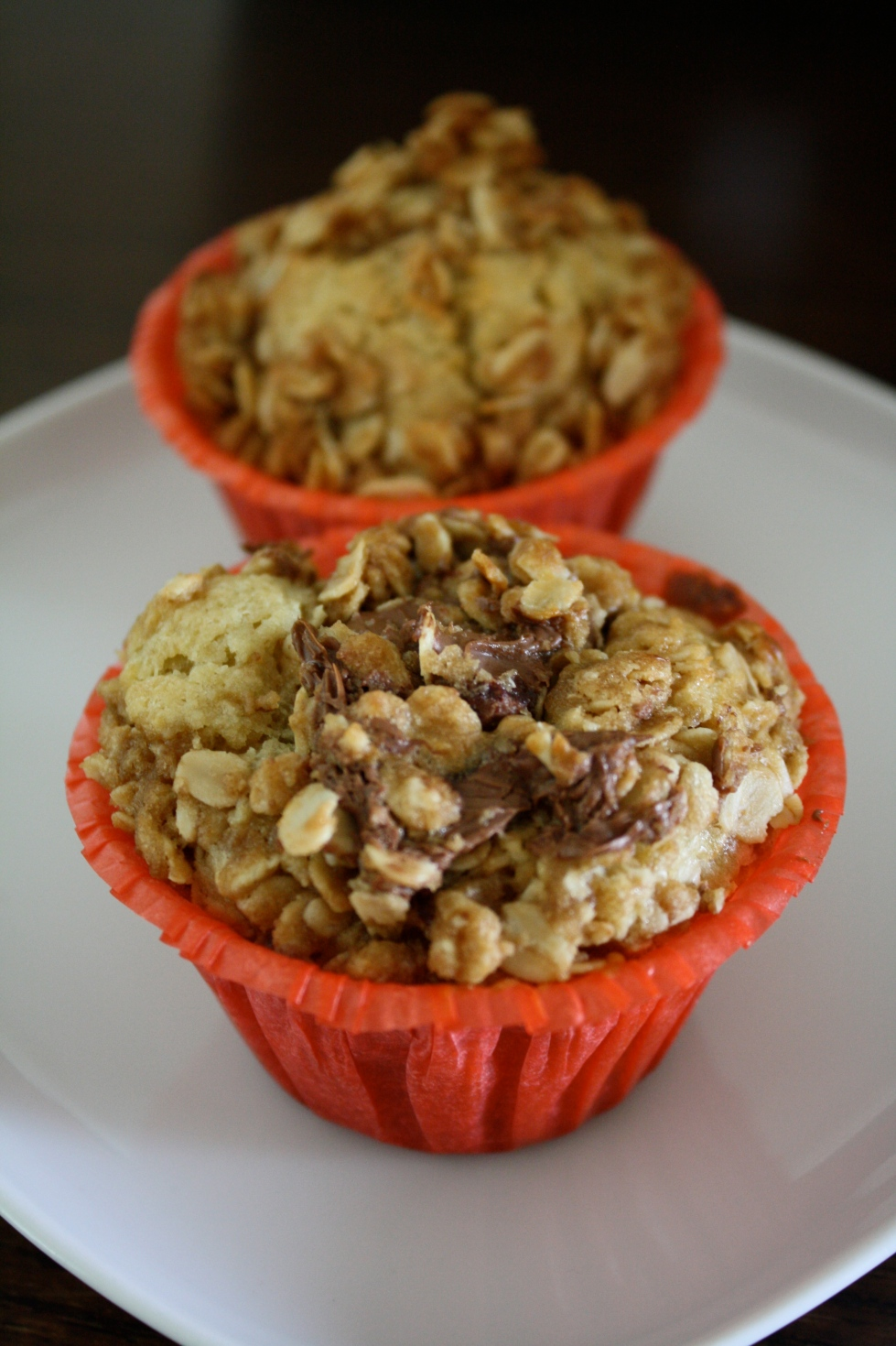 Banana Cupcakes with Oat Streusel Topping (and an optional dollop of Nutella)